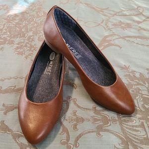 Dr. Scholl's Aston Ballet Brown Flats NWOT